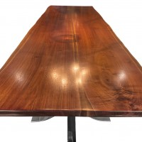 Walnut_DiningTable_Detail1